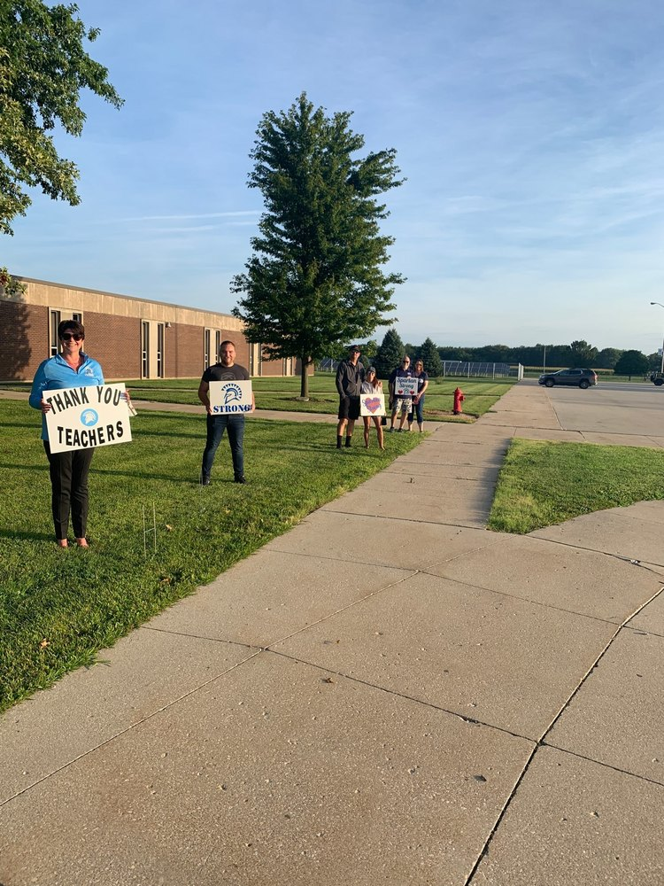 Olympia Families Welcome Teachers Back