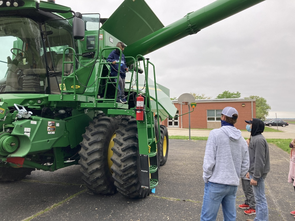 Oly West students get to learn about the many parts of agriculture from our OHS FFA members!