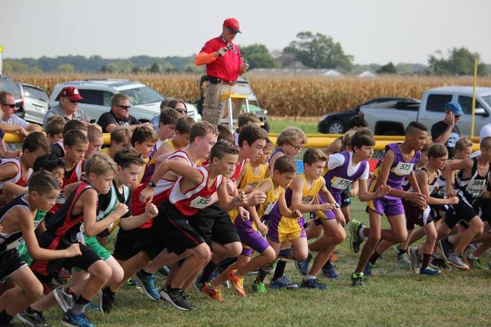 Cross country teams begin race.