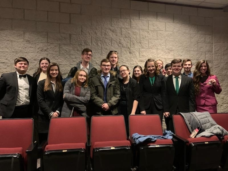 Our 2020 IHSA Sectional Qualifying Olympia Speech Team!